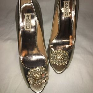 Gold Badgley Mischka Peep Toe Pump